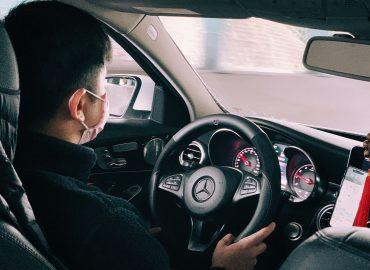 叫車吧的司機開車時都有配戴口罩